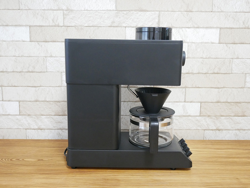 ツインバードのコーヒーメーカー「CM-D457」のデザイン:横2